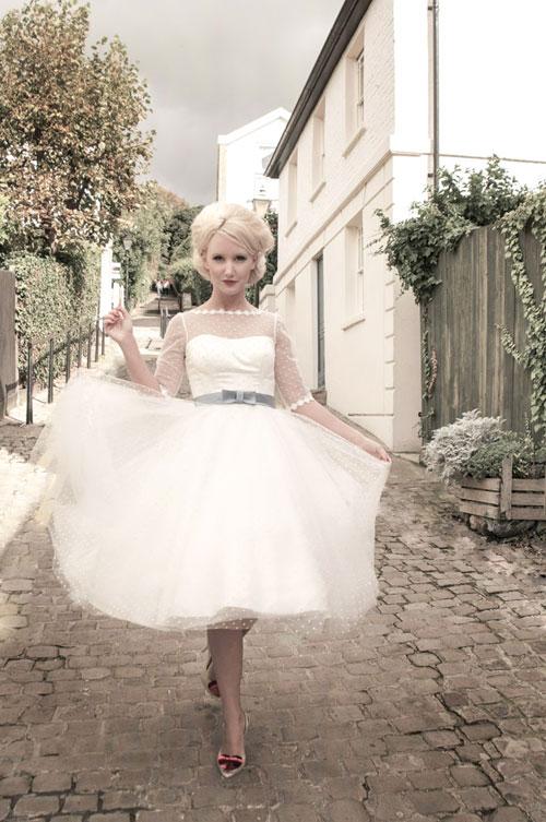 Với phong cách được định hình rõ ràng, các thiết kế của Olivia sẽ khiến cô dâu hoàn