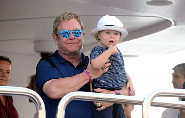 Elton-John9-3792-1408500096.jpg
