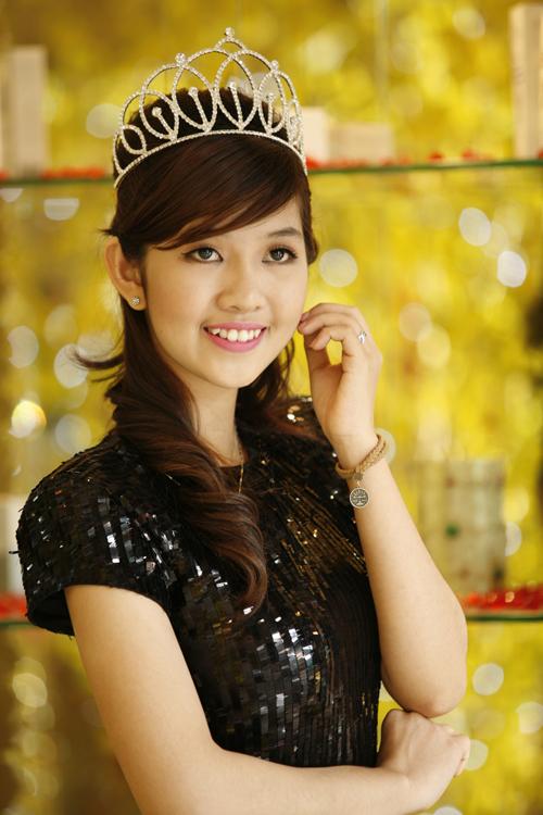 khuat-ai-nam-phuong-8394-1408523741.jpg