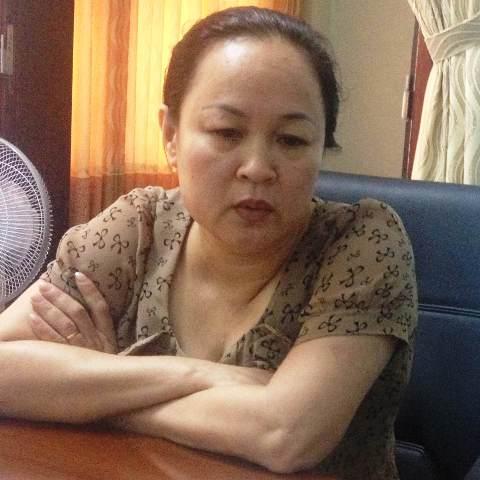 [Caption]GĐ Bệnh viện ĐK Kỳ Anh- bàPhạm Thị Xuân Liễu trao đổi về vụ việc