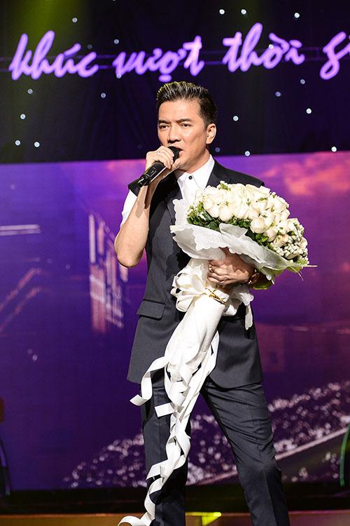 Trong chương trình, Đàm Vĩnh Hưng thể hiện 3 ca khúc quen thuộc là 'Diễm xưa', 'Rồi mai tôi đưa em' và 'Tình khúc cho em' của các nhạc sĩ Trịnh Công Sơn, Trường Sa, Lê Uyên - Phương.