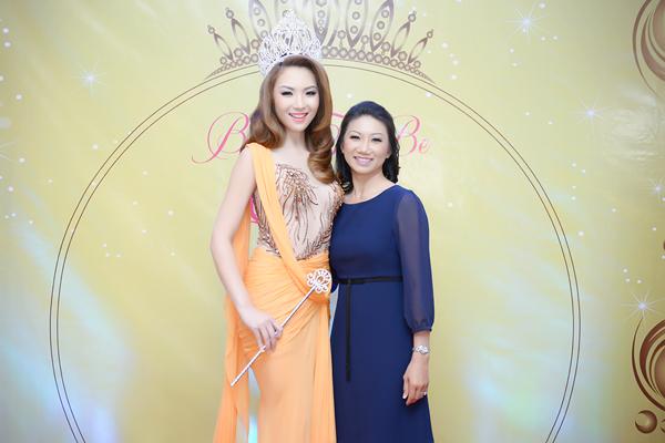 anh7 6162 1408852392 Hoa hậu gốc Việt Jennifer Chung lộng lẫy trong tiệc mừng