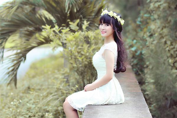 Thiếu nữ Miss Ngôi Sao tinh khôi với gam trắng