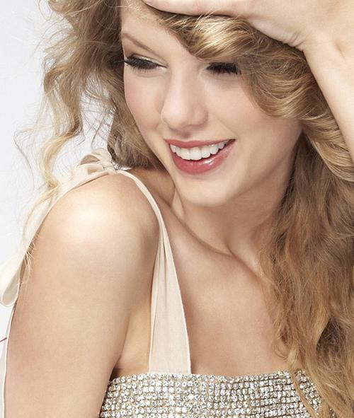 Taylor Swift thích dùng kem dưỡng đêm vào ban ngày - Làm đẹp
