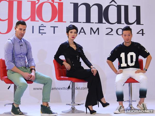 Sau vòng sơ tuyển, các thí sinh của cuộc thi Vietnam's Next Top Model tiếp tục vượt qua thử thách ở vòng thi tiếp theo với phần trình diễn bikini trước ban giám khảo.