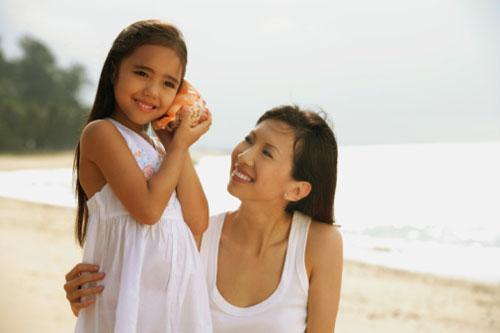 10 điều mẹ cần dạy con gái trước khi lên 10