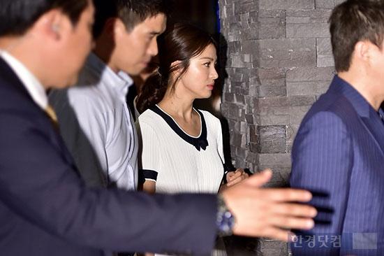Sau scandal trốn thuế, Song Hye Kyo 'né' truyền thông