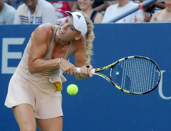 Wozniacki chia sẻ, đây là lần đầu tiên cô gặp sự cố với tóc từ ngày tết tóc.