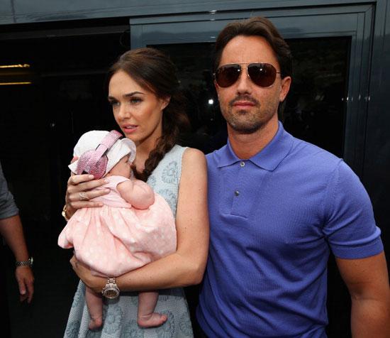 Tamara bên chồng và cô con gái nhỏ,