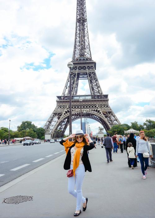 Jennifer Chung tung tăng dạo chơi ở Paris