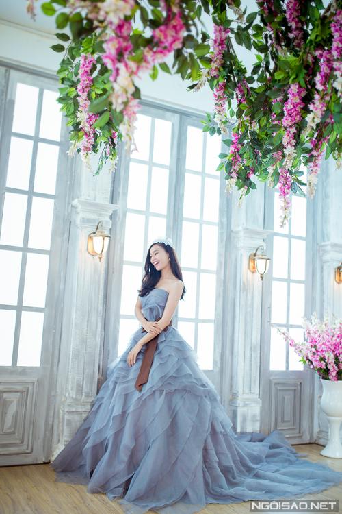 4 váy cưới sắc màu lộng lẫy của Lan Ngọc