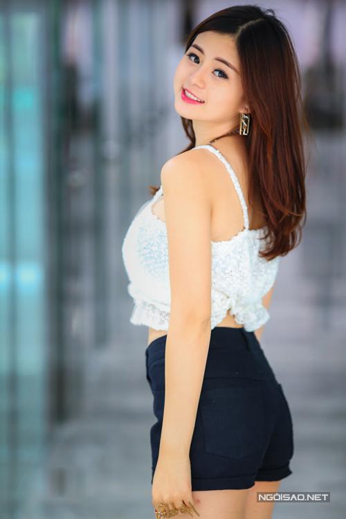 Hồng Châu không đặt nặng việc tranh giành vị trí, cô chỉ hy vọng tham gia Miss Ngôi sao 2014 sẽ giúp cô khắc phục được những khuyết điểm và giúp mình trưởng thành hơn.