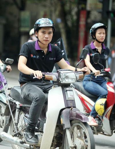 Chiến dịch nhằm khuyến khích người dân chủ động bảo vệ an toàn của bản thân bằng việc đội mũ bảo hiểm đúng quy định, được triển khai trên cả nước trong thời gian từ ngày 23/8 đến 23/9.