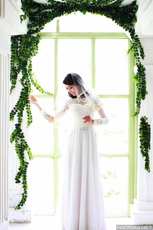 Thí sinh Miss Ngôi Sao chọn áo dài cưới cách tân
