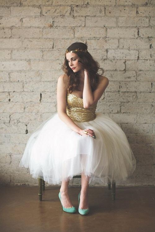 Cô dâu quyến rũ với váy cưới sequins