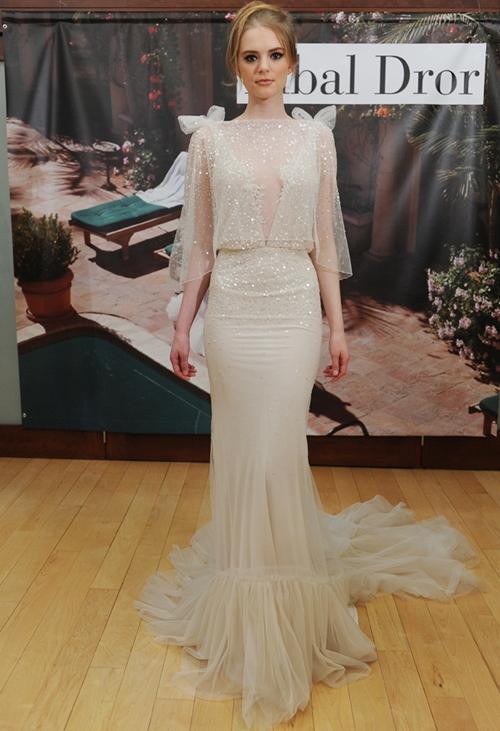 7 dáng váy suông nhẹ nhàng mà ấn tượng