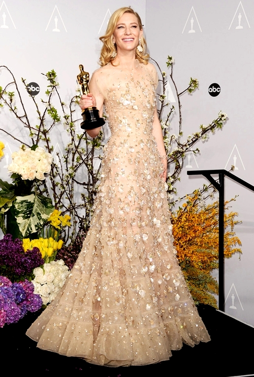 Cate-Blanchett-Press-Room-86th-6946-9982