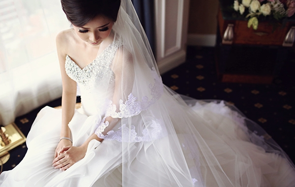 Điều cô dâu chưa biết khi chọn váy cưới