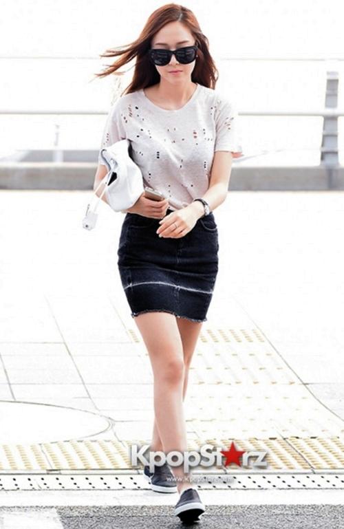 Jessica-Girls-Generation-and-Krystal-fx3