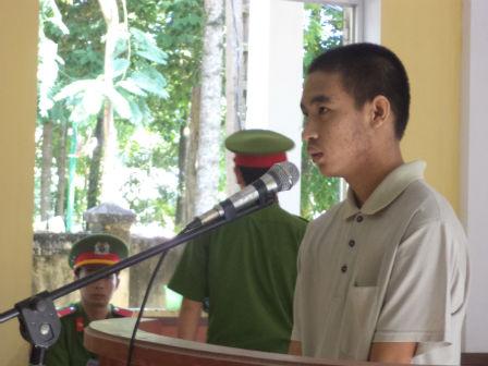 Bị cáo Phong trước tòa