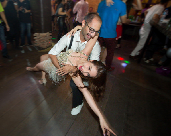 Từng tham gia Bước nhảy Hoàn vũ nên Diễm My có những điệu nhảy điêu luyện, đẹp mắt.