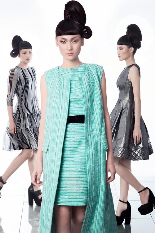 Xuât hiện trong bộ ảnh là sự thể hiện của Thùy Trang, Chà Mi và Kha Mỹ Vân - 3 chân dài trưởng thành từ cuộc thi Vietnam's Next Top Model.