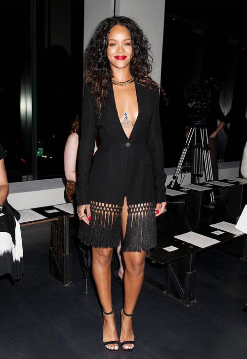 9-Rihanna-7410-1410422528.jpg