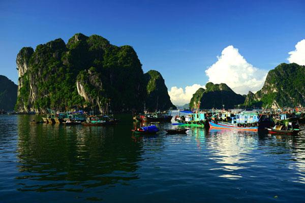 Biển Hạ Long.