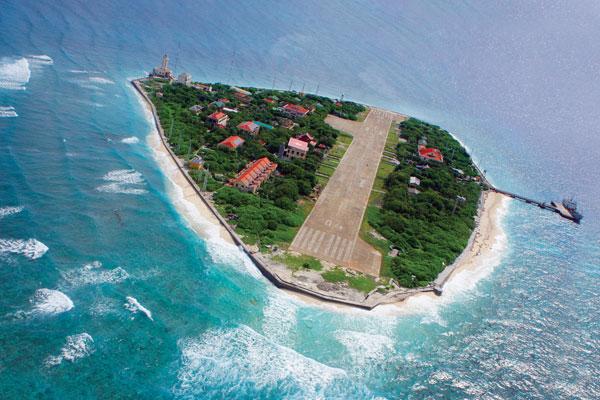 Đảo Trường Sa Lớn - quần đảo Trường Sa. Ảnh: Lê Ngọc Nam.