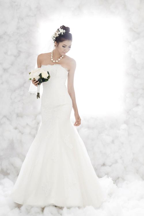 Ngọc Quyên mơ màng diện váy cưới