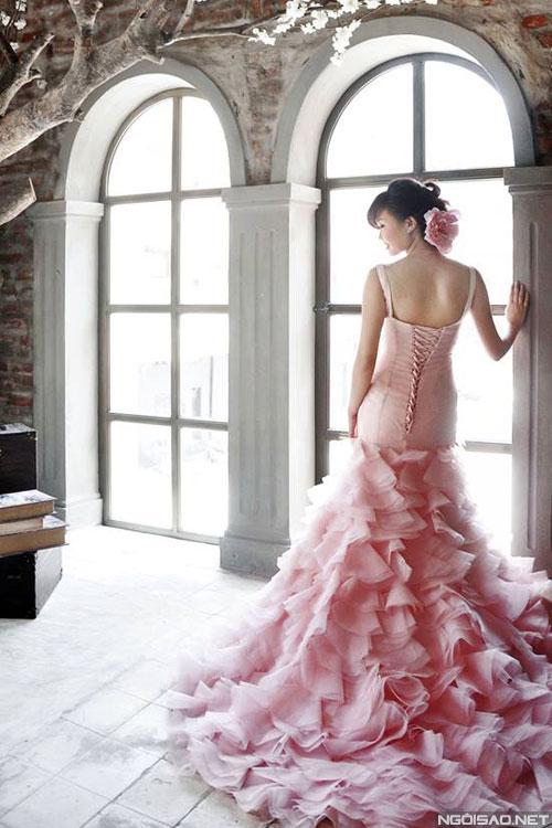 Váy cưới 3D lộng lẫy cuốn hút cô dâu Việt