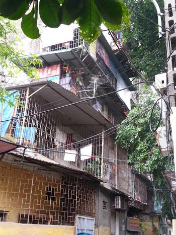 Giải cứu 3 người bị cướp khống chế giữa Hà Nội
