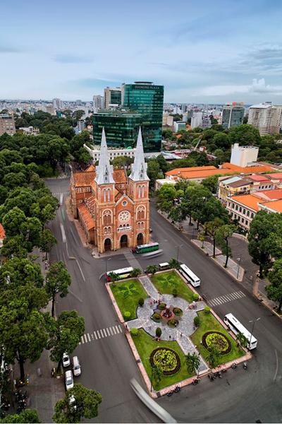 Có thể nói, nhà thờ Đức Bà là một tác phẩm kiến trúc hoàn hảo, là một công trình tiêu biểu mang tính biểu trưng của Sài Gòn.