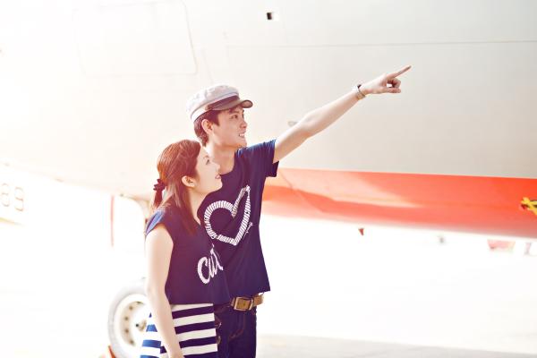 Ảnh cưới bên máy bay