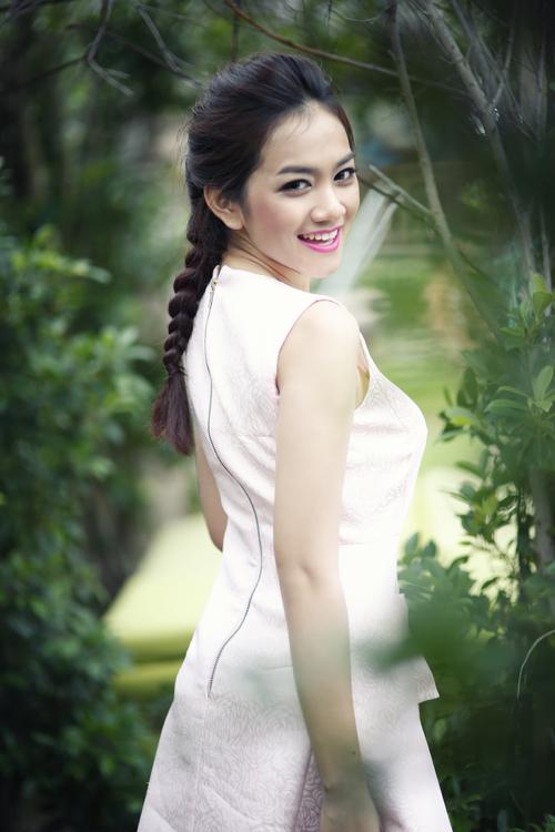 Châu Diệu Minh, sinh năm 1991và đang là người mẫu tự do. Cô tham gia Miss Ngôi Sao 2014 với mong muốn lớn nhất là học hỏi, giao lưu với các thí sinh.