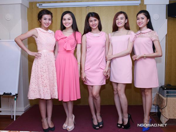 Miss Ngôi sao xinh xắn cùng gam hồng pastel