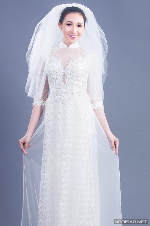 Chọn áo dài cưới ren trắng tinh khôi