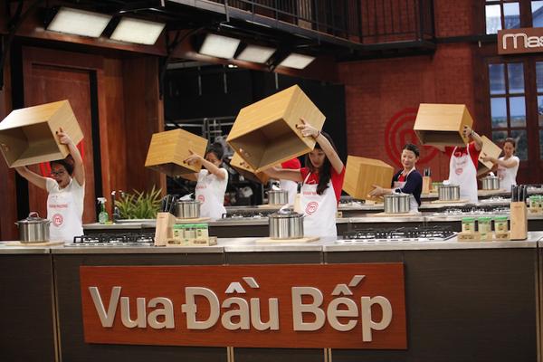 Thí sinh Vua đầu bếp Việt bị loại vì phung phí nguyên liệu