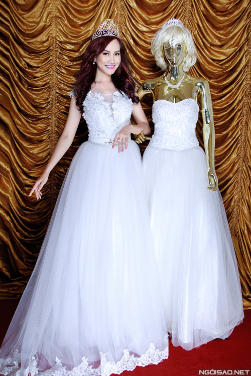 Váy cưới sang trọng cho cô dâu Việt