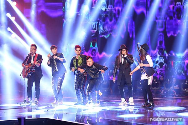 Nhóm F Band kết hợp với nhạc sĩ Phạm Toàn Thắng trong ca khúc Quái vật không tên. Màn trình diễn của nhóm rất sôi động và thú vị khi kết hợp nhiều thể loại âm nhạc.