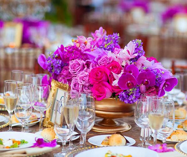 Hoa lộng lẫy cho bàn tiệc cưới sang trọng
