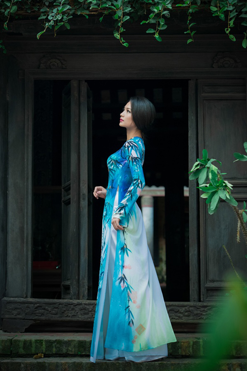 Diệu Hương nền nã áo dài giữa trời thu