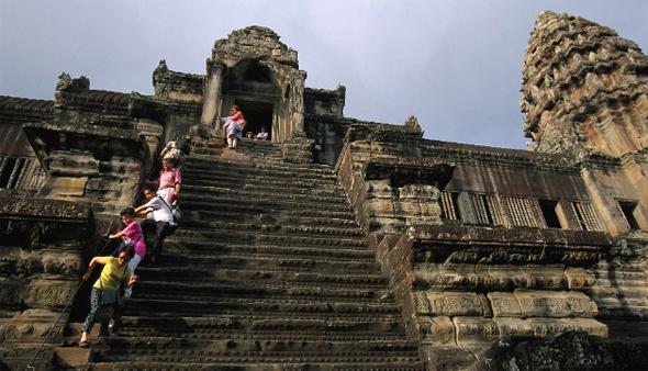 10 bậc thang trên thế giới khiến du khách phải rùng mình