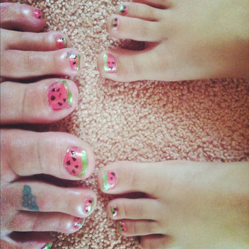 Mother-daughter-feet-with-matc-2945-6624