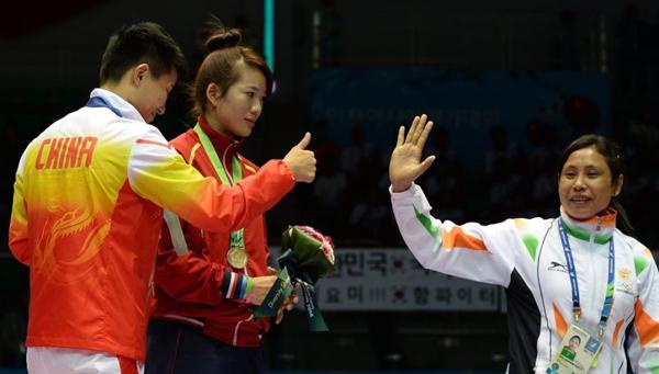 Nữ võ sĩ người Ấn Độ
