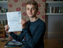Cậu bé 14 tuổi có IQ cao hơn Albert Einstein