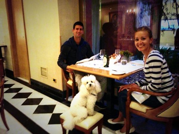 Djokovic rất cưng chiều chú chó Piere