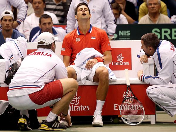Tay vợt vui tính thường tỏ ra đau đớn như bị thương mỗi khi yếu thế trong các giải đấu lớn.