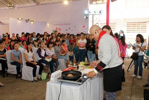 đầu bếp Alain Nghĩa trổ tài tại Beauty Day 2014