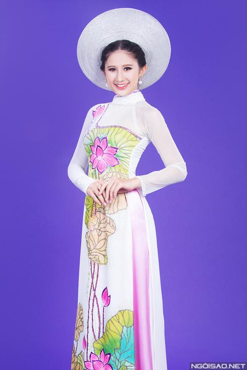 `Bông hồng lai` làm cô dâu xinh đẹp với áo dài cưới